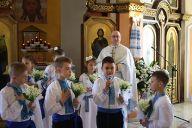 В Ґіжицьку відбулася перша сповідь і урочисте Святе Причастя 2015 (2)